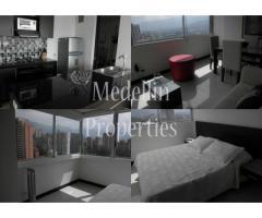 Apartamentos Temporal Amoblados en  Medellin Código: 4438