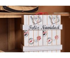 Caja navideña en madera para empacar ancheta