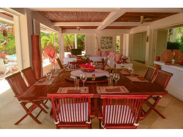 Hermosa casa en Venta en isla Baru zona Cholon - 2/5