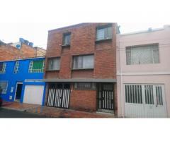 CASA AMPLIA PALERMO zona PARKWAY LA SOLEDAD Bogotá, RENTABLE, Alta Valorización, OPORTUNIDAD, por el