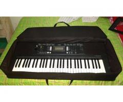 Piano YAMAHA PSR E343